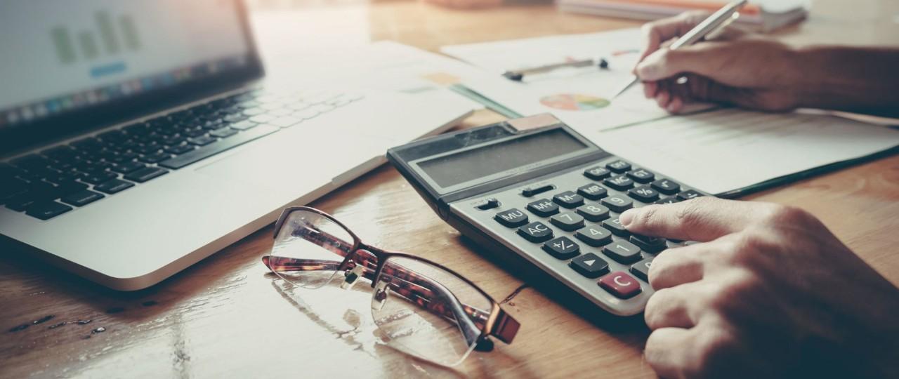 Benefit in Kind i Trival Benefit– konsekwencje podatkowe dla dyrektora oraz spółki ltd